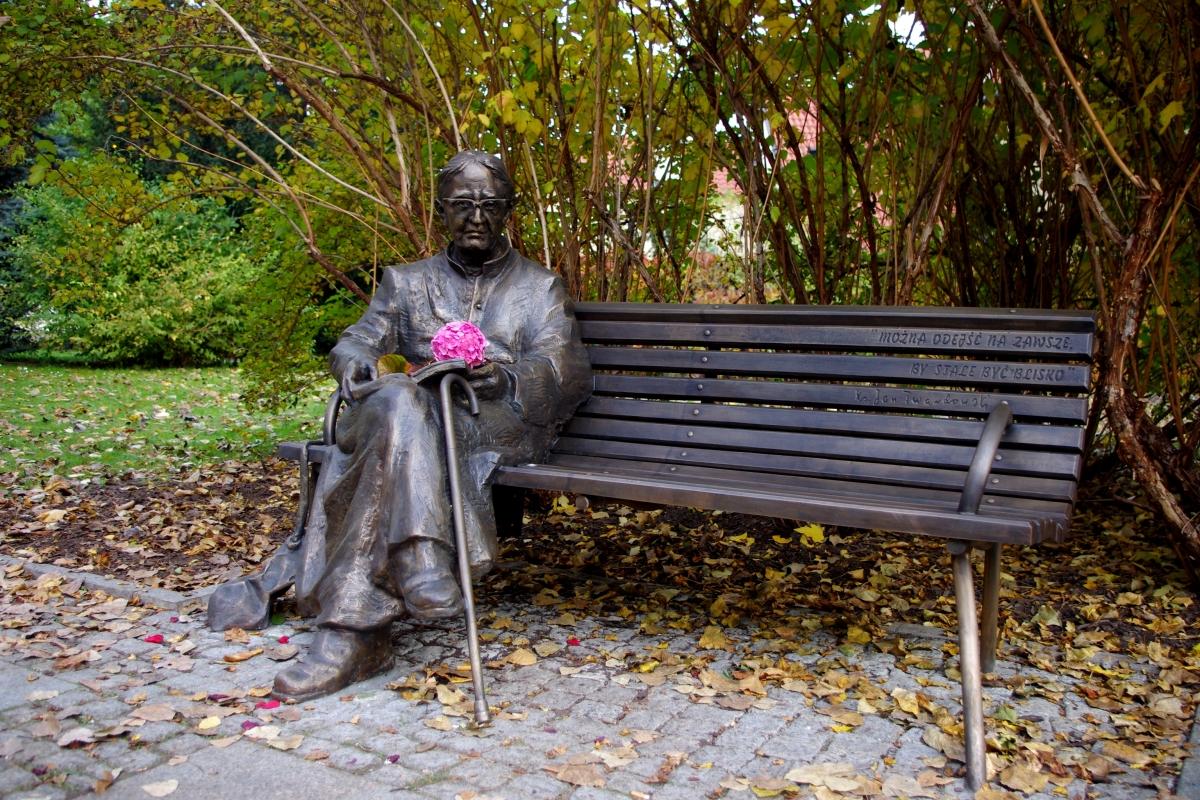 Pomnik ks. Jana Twardowskiego w Warszawie 1